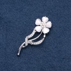 Брошь белый цветок 8957