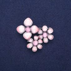 Брошь Три цветка розовый 8964
