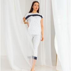 Пижама женская с капри белая 7393