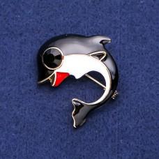 Брошь дельфин с черной эмалью 8182