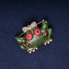 Брошь зеленая Лягушка 8135
