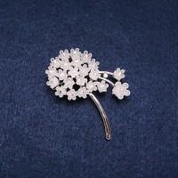 Брошь Цветок белый 8303